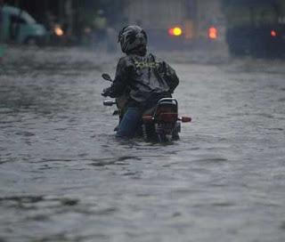 Cara Mengatasi Motor 2 Tak Kebanjiran