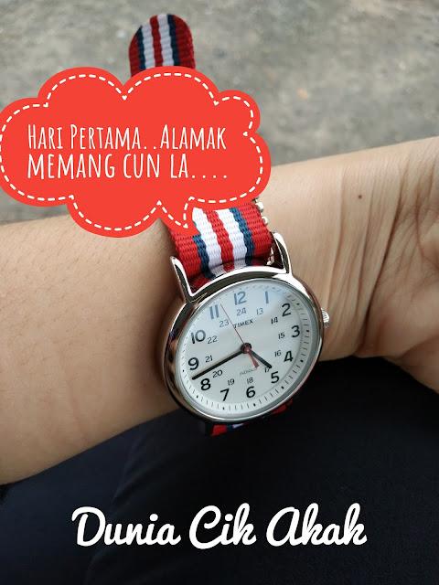 5th Lazada Birthday Sale : Timex Men T2N746 Weekender™ Stripe Red, White & Blue Striped Nylon Slip Through Strap Watch