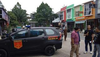 Petugas Olah TKP Kasus Mayat Terminal Kampung Rambutan