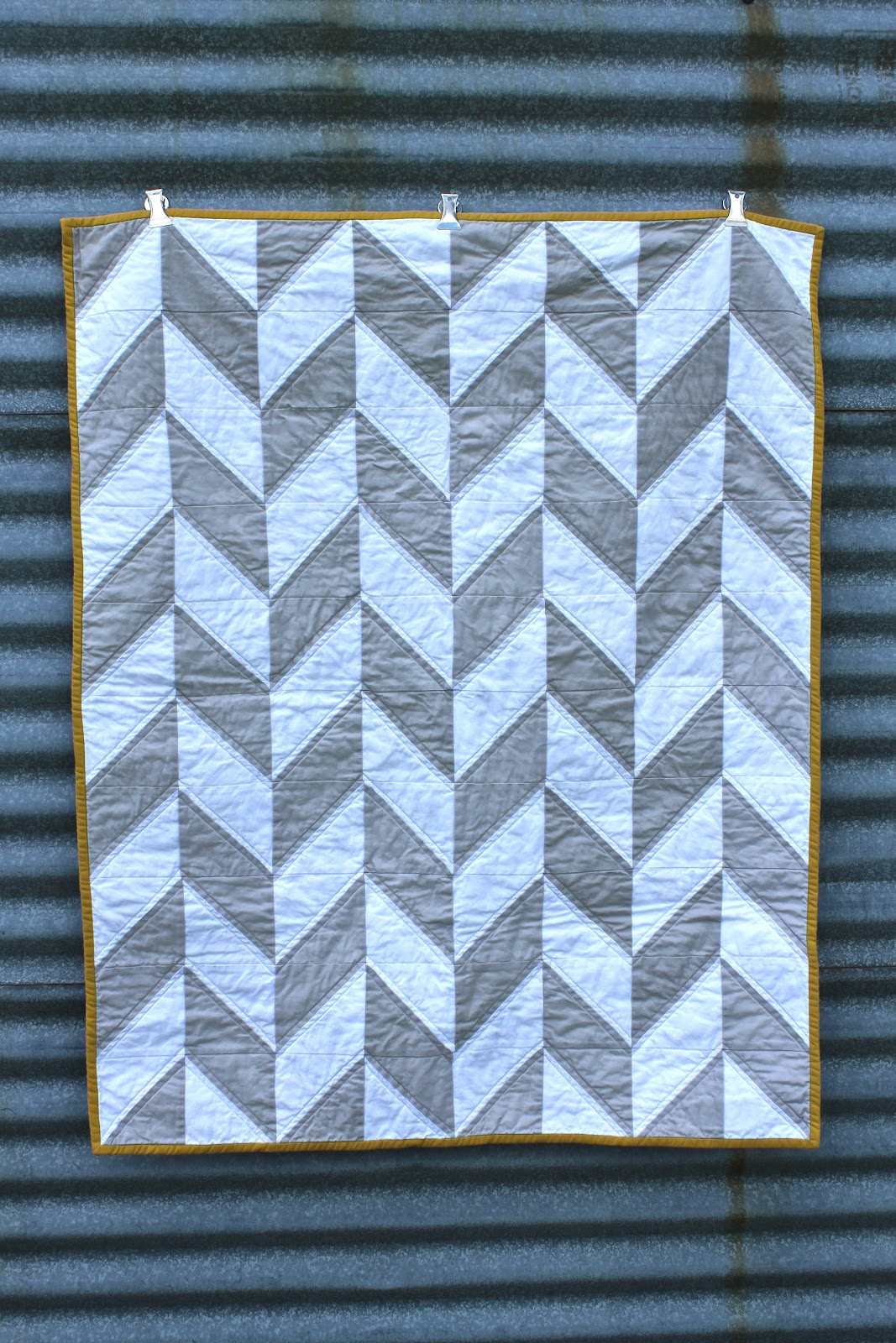Craftyblossom: Grey And White Herringbone Quilt