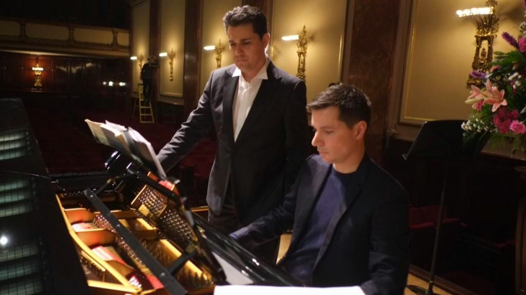 Saimir Pirgu and Simon Lepper in rehearsal at the Wigmore Hall - photo Jonathan Rose
