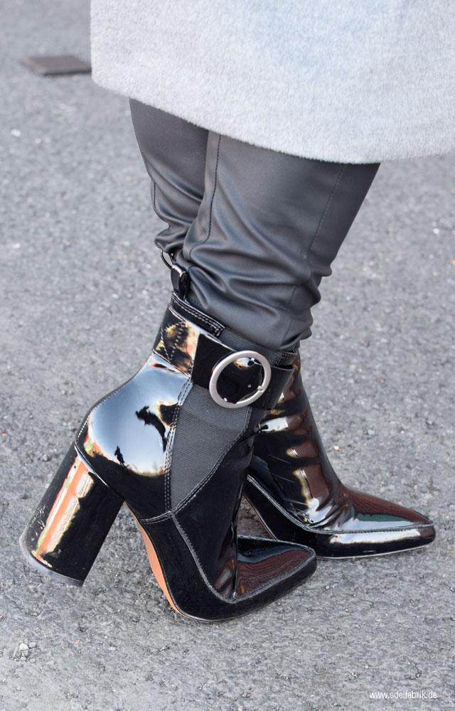 schwarze Lackleder Stiefel