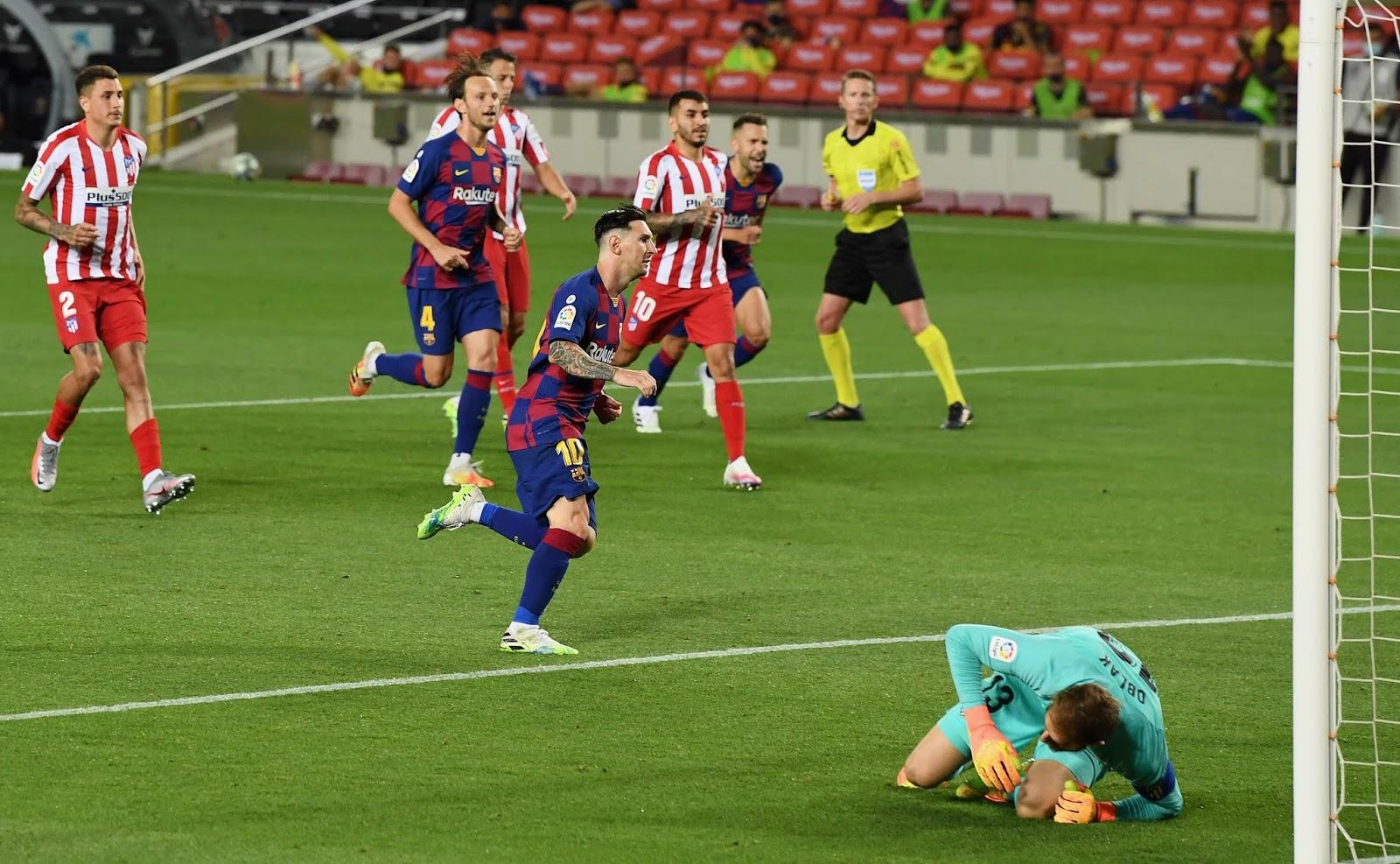 RESUMEN: Messi llegó al gol 700, pero Barcelona complicó sus chances en la lucha por el título