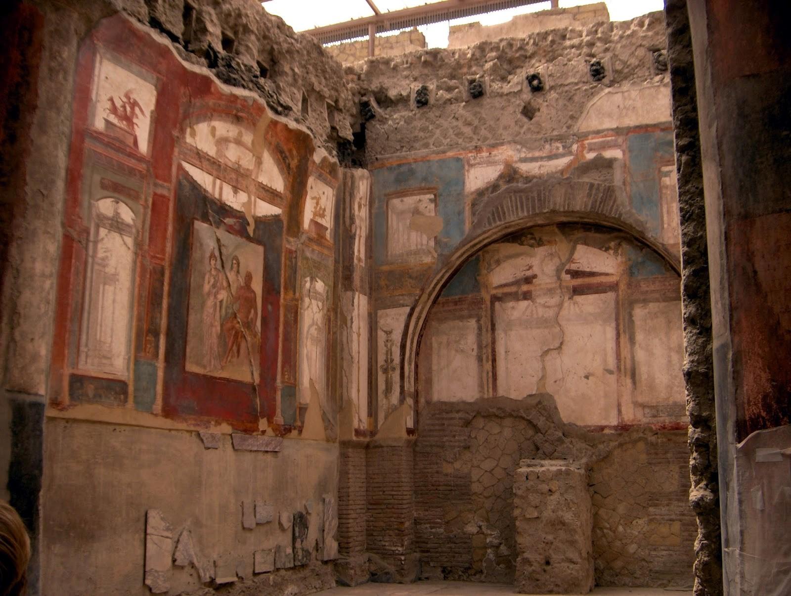 Pompeii, Herculaneum, Italy, Naples, Vesuvius, ancient roam, Romans, Italia, holiday, visiting Pompeii, How to get to Pompeii, tips, vacation, Sorrento, travel, travelling, Europe, backpacking,