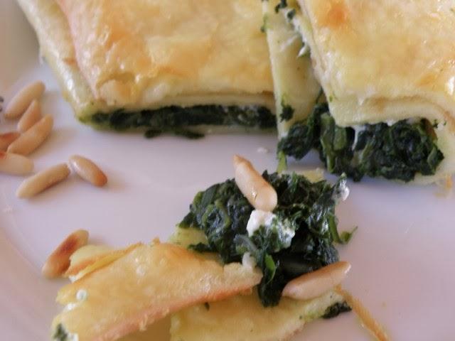 Pfannkuchen mit Spinat-Schafskäse-Füllung