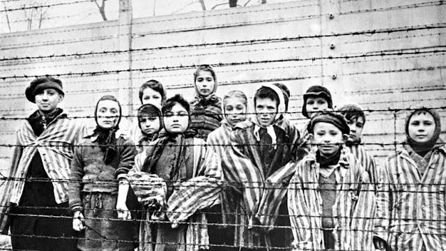 As forças aliadas sabiam sobre o Holocausto dois anos antes da descoberta de campos de concentração, revelam documentos secretos.