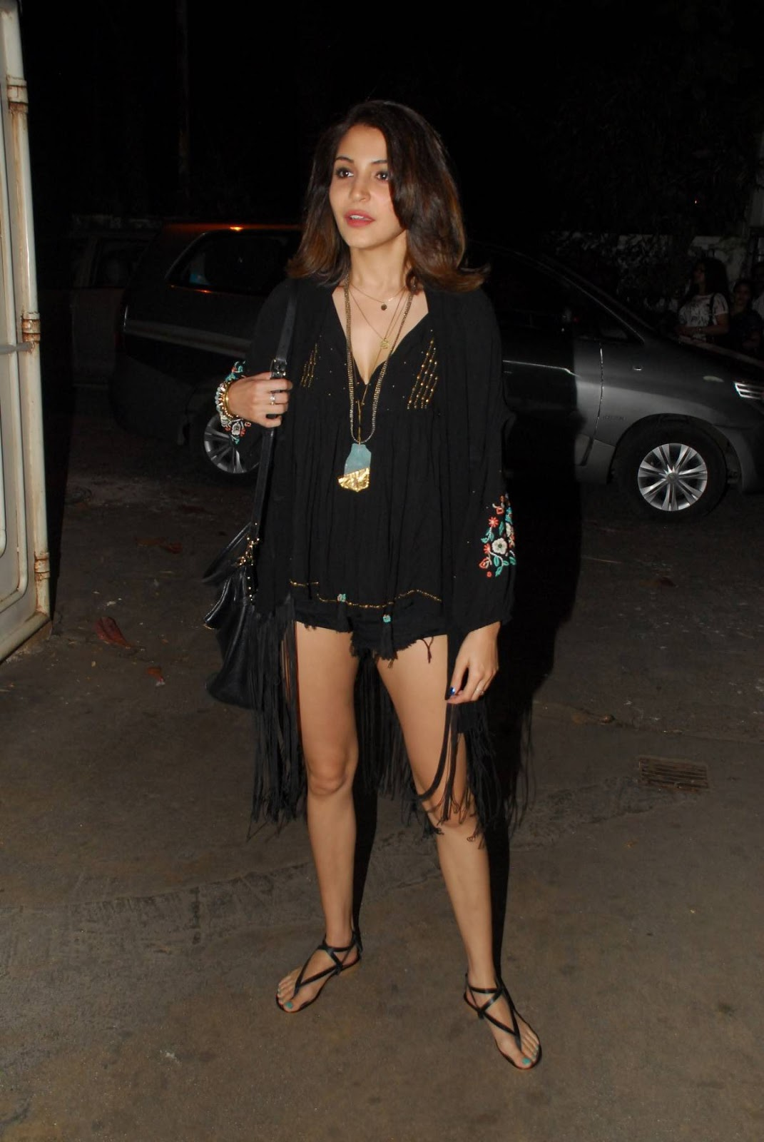Anushka Sharma Hot Legs Thigh Show In Short Black Dress