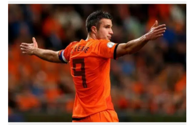 Robin van persie to annonce his retirement from football at thé end of thé season