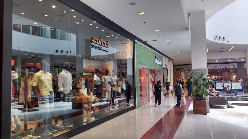 Liquidação de verão no Grand Plaza Shopping tem descontos de até 70%