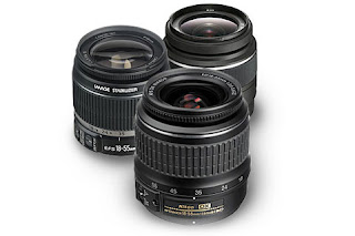 Lensa kit standar 18-55mm menjadi andalan karena punya kelebihannya ini
