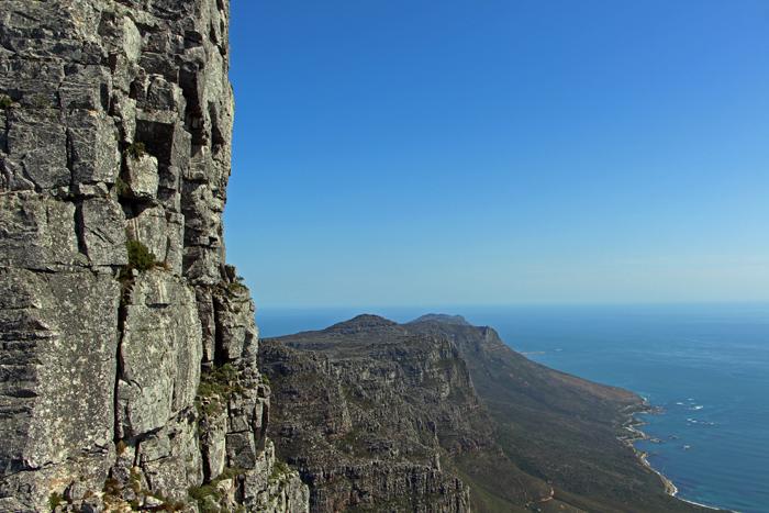 Steiler Felshang am Tafelberg