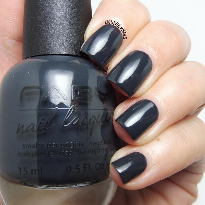 Smalto grigio scuro laccato Faby Fearless dark grey creme nail polish #faby #lightyournails