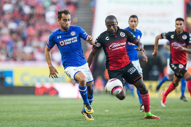 Cruz Azul venció 2-0 a Tijuana