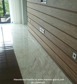 lantai marmer macedonia dengan kombinasi kayu