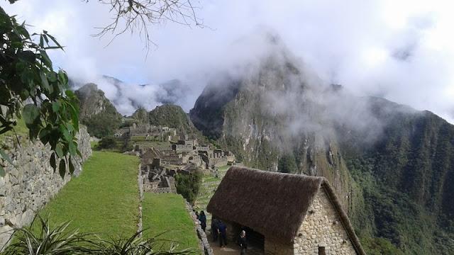 Machupicchu, entre nubes