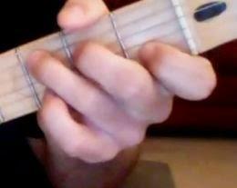 posisi kord C pada gitar