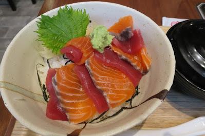 Kuro Maguro, salmon tuna meshi