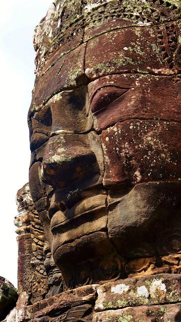 Голова одного их Хранителей Храма Ангкор Том