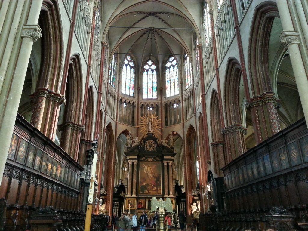 Resultado de imagem para Igreja de Nossa Senhora em bruges