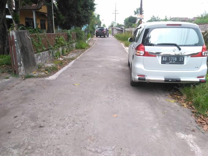 Tanah pekarangan Lingkungan Exclusive selatan Ambarukmo Plaza dekat Kampus AKAKOM