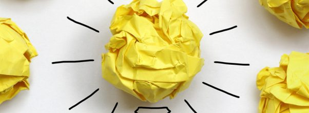 Meningkatkan kreativitas dengan membaca esai, artikel, dan buku