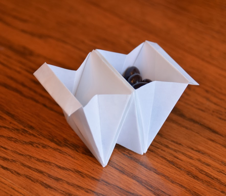 A Wren in My Teacup: Origami Accordion Box - photo#16