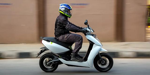 AUTO NEWS   Bajaj स्कूटर बाजार में धाक जमाने फिर आ रहा है, नई डीलरशिप देगा