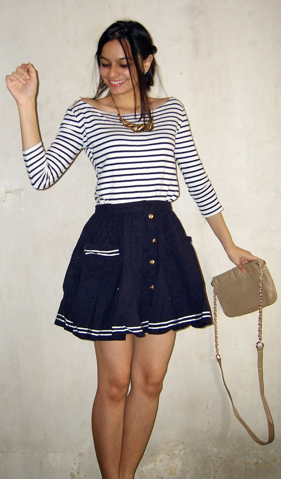 how to wear skater skirts, nautical, how to do nautical look, navy look, navy blue skirt, white striped tshirt, short skirts, street shopping, topshop skirt, mumbai streetstyle