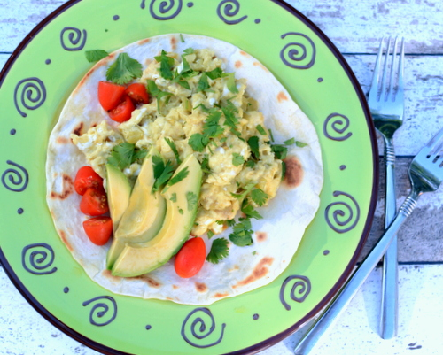 Green Chile Scrambled Eggs, another easy, healthy breakfast ♥ KitchenParade.com, just eggs jacked up with extra protein and green chiles. Weekday Easy, Weekend Special. Low Carb. High Protein. Weight Watchers Friendly. Gluten Free.