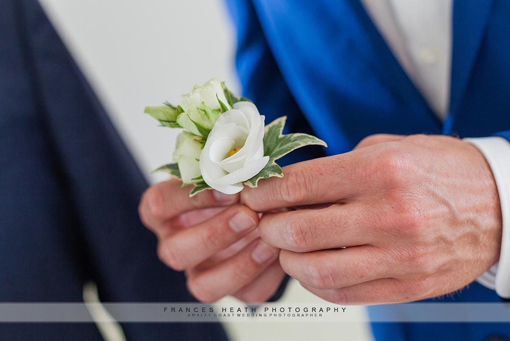 White flower groom boutonniere