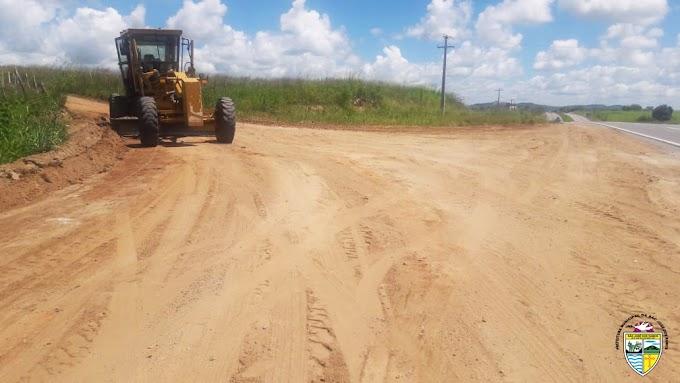 SÃO JOSÉ DOS RAMOS: Secretaria de Transporte realiza manutenção na estrada do Sítio Patú.