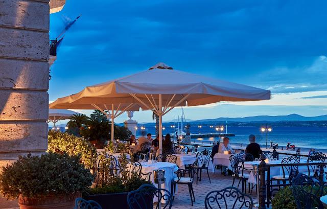 Βραβείο Ελληνικής Κουζίνας από τους Χρυσούς Σκούφους για δεύτερη χρονιά στο On the Verandah του Poseidonion Grand Hotel