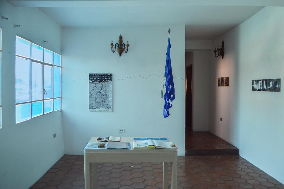 Vista de sala del estudio abierto de Camino al mar, residencia en la Macolla Creativa