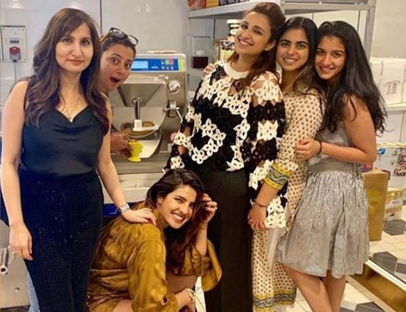 Before voting, Priyanka Chopra's crazy party Isha Ambani's house, here see photos