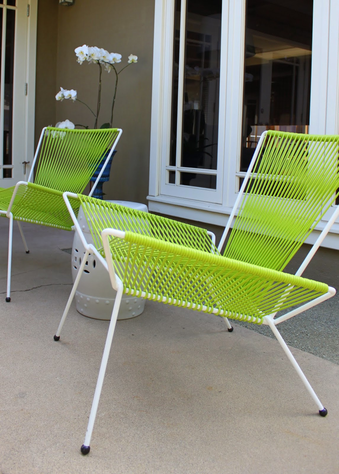 Modern Outdoor Chair Spiffing Up A Mid Century Modern Patio Mid Century