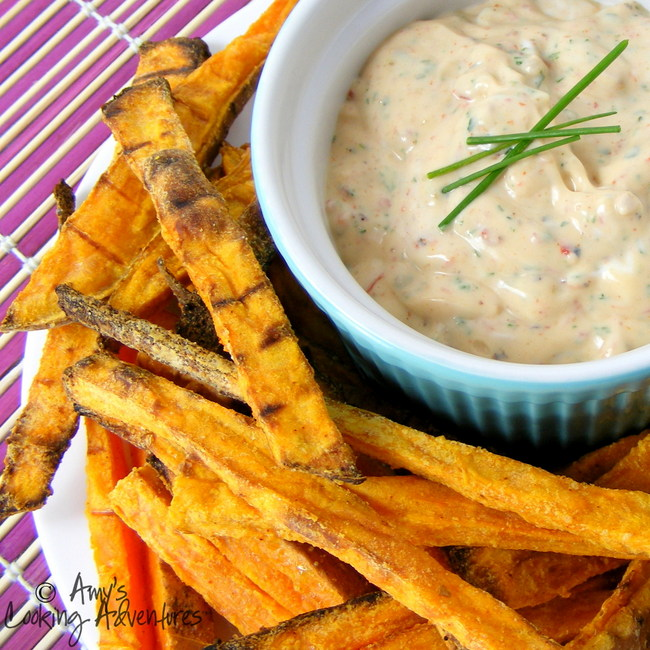 chipotle sour cream dip  sweet potato fries
