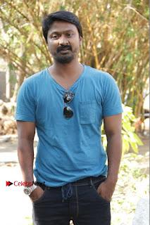 Vizhithiru Movie Press Meet Stills  0002.jpg