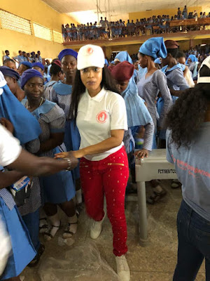 Tonto Dikeh Take Menstrual Hygiene To Schools, Distributes Sanitary Towels And Pads