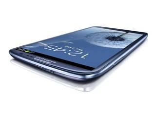Galaxy S III é fino e leve
