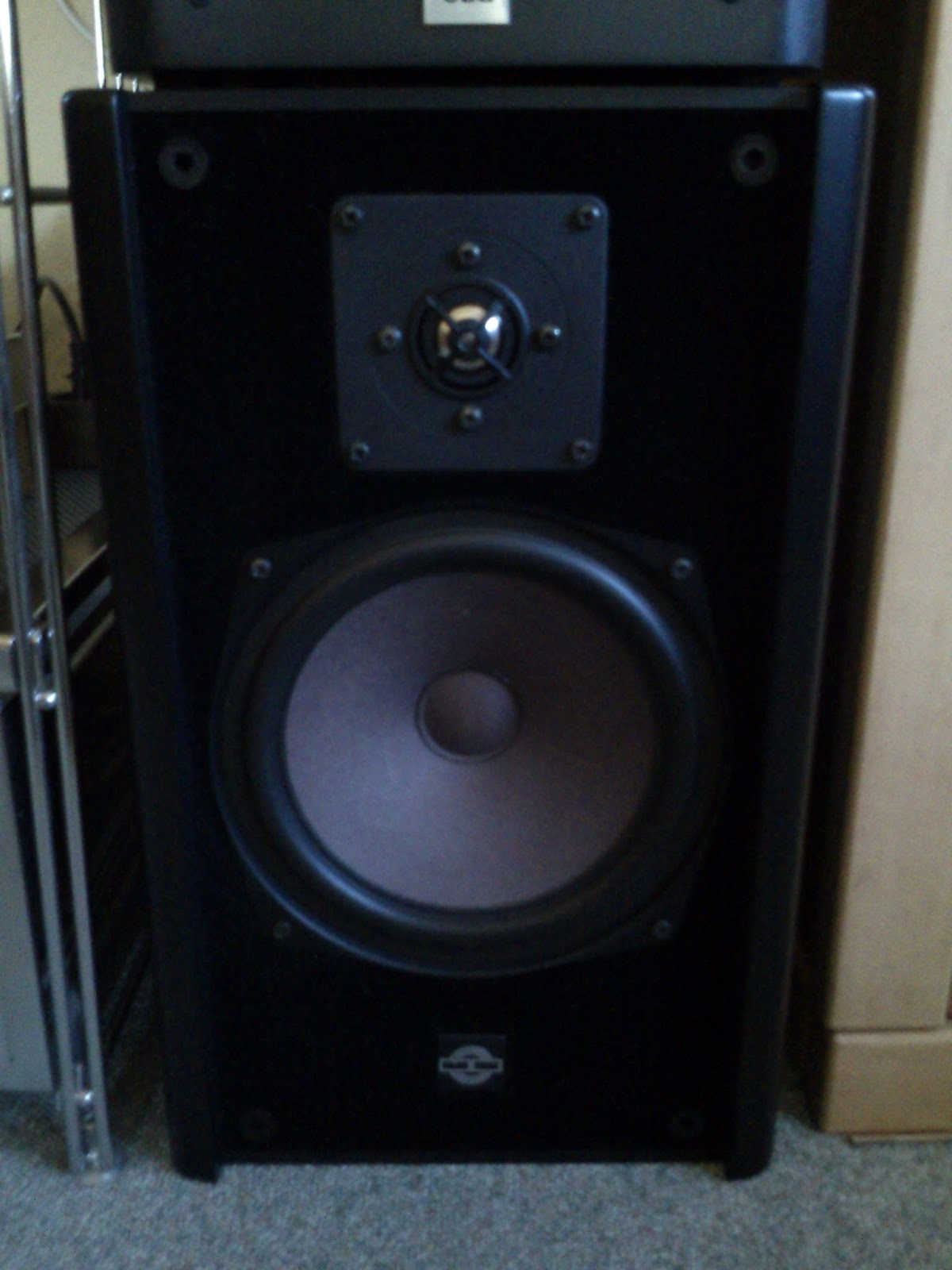 Vintage Vs Modern Speaker Comparison Mb Quart 280 Jbl Studio Premium Series Amplifiers Digital Car Audio System One Is The Famous Other 230 Former What We Would Today Call A Latter More