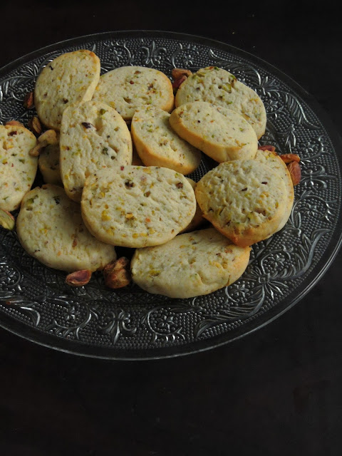 Eggless Buttery Pistachio Cookies