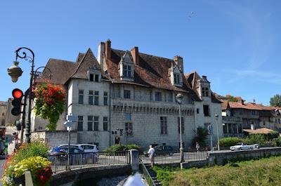 Périgueux. La Casa dels Consols