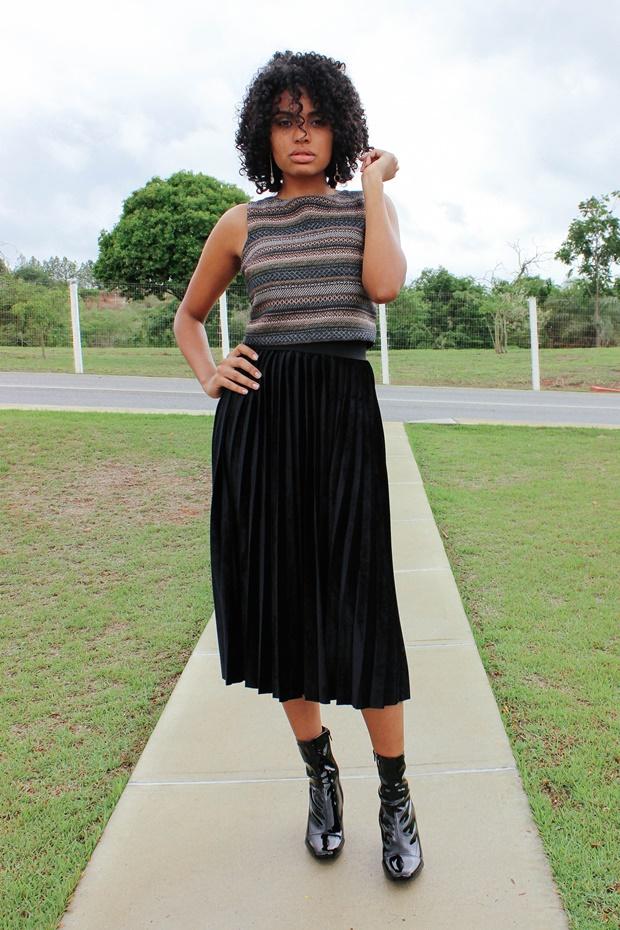 Como usar saia plissada com top cropped