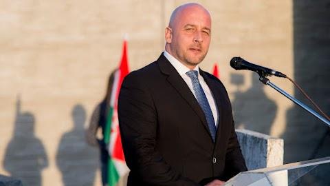 Elindította a nemzeti kisebbségek jelképeinek szabad használatát célzó petícióját az MKP