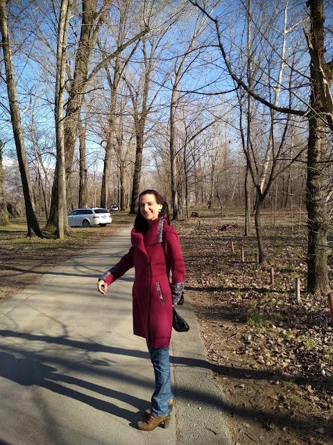 How to style a magenta coat? (location Buna, Bosnia and Herzegovina)