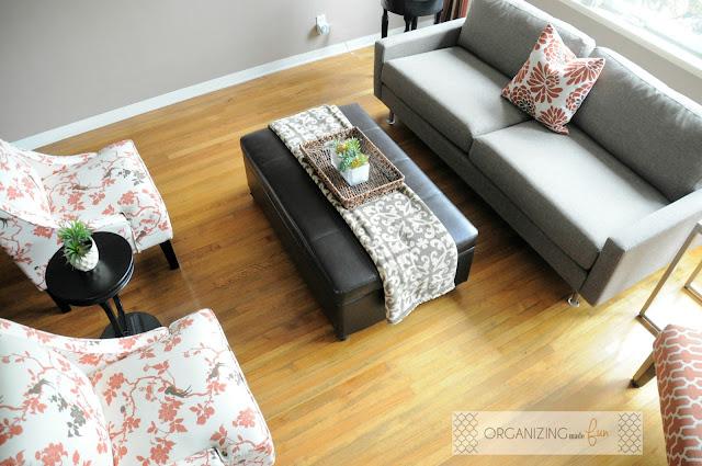Intimate grouping in living area :: OrganizingMadeFun.com
