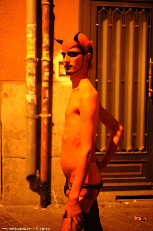 image Halloween 3 en la muchedumbre