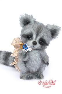Artist teddy racoon, artist raccoon, teddy coon, ooak teddy bear, artist bear, handmade racoon, NatalKa Creations, teddies with charm, Künstlerteddys, Künstler Waschbär, Teddybär, Teddys
