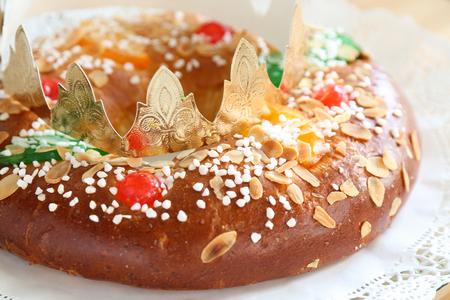 spanish dessert roscn de reyes - Classic Christmas Desserts