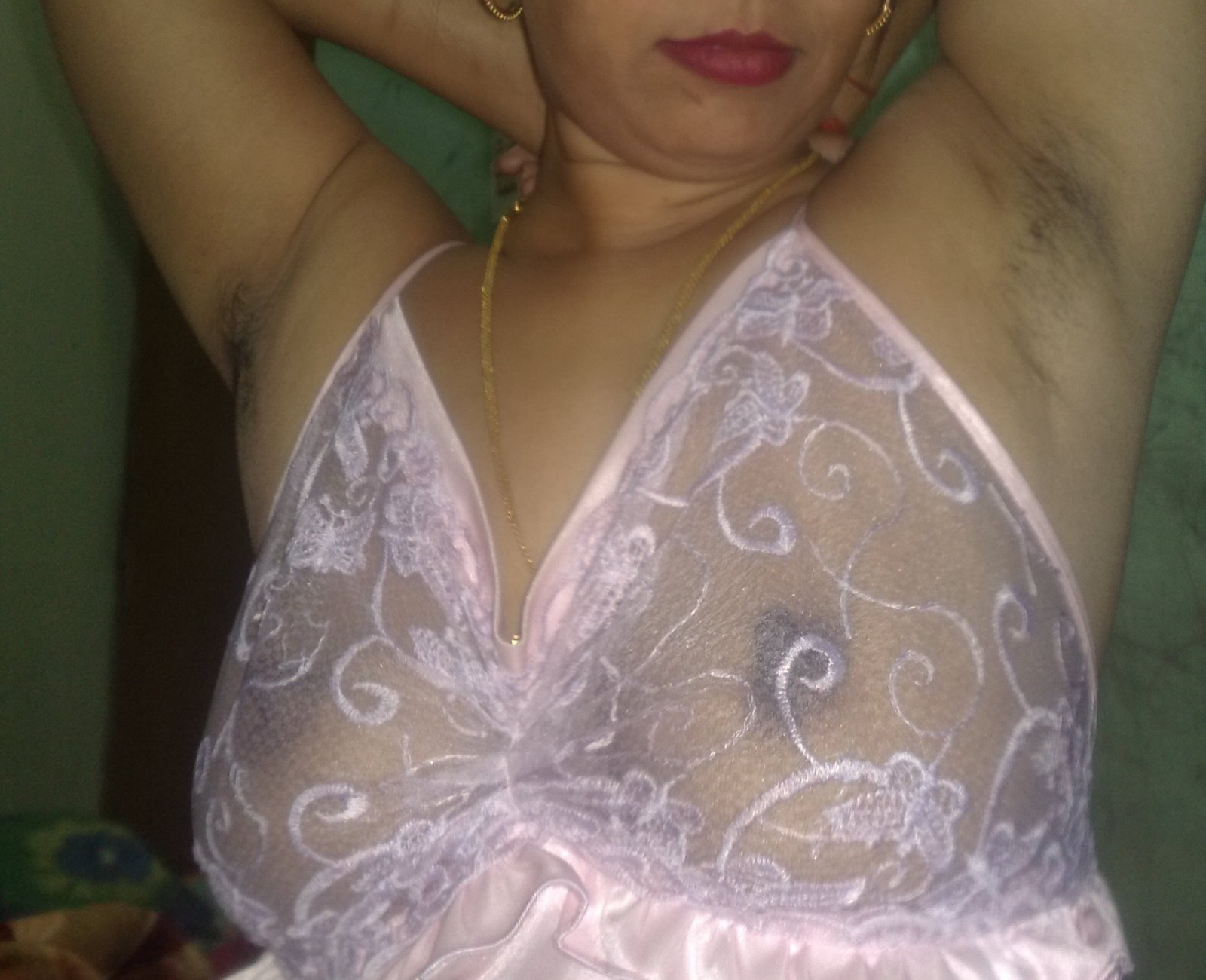 Horny Indian Milf Aunty Showing Hot Ass N Boobs Giving -4440